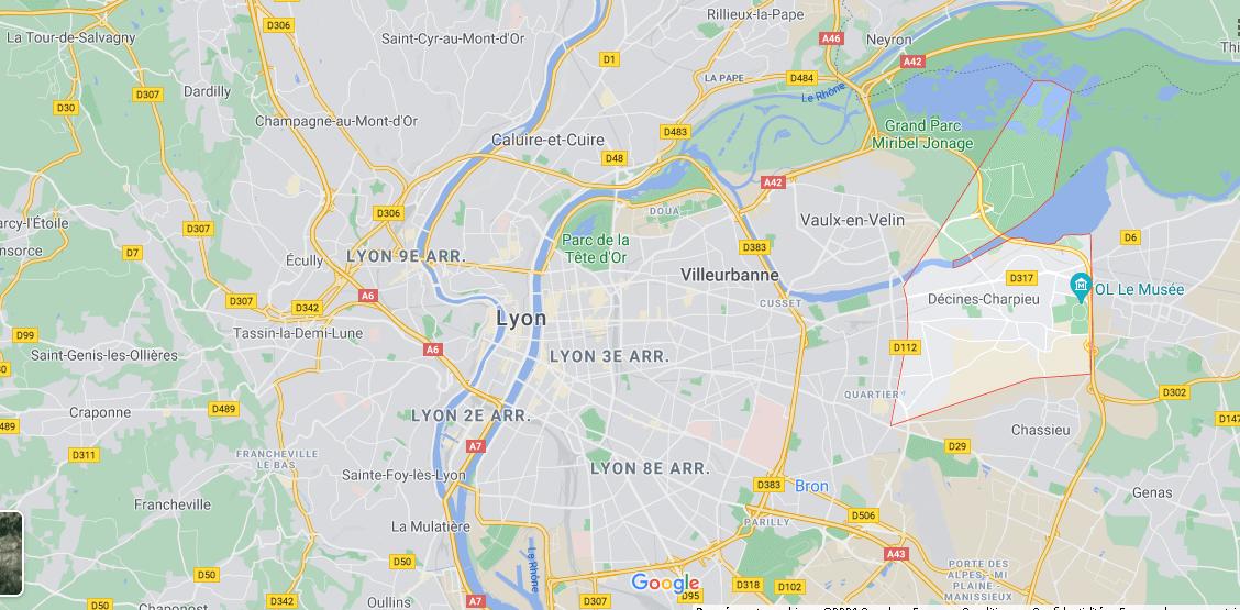 Dans quelle région se trouve Décines-Charpieu